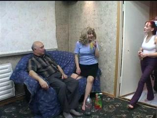 Русский большой дом трахается вся семья