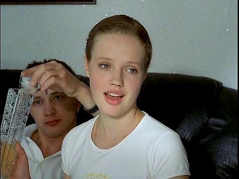 три русских мальчика берут по пьянке девушку