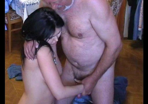 Дед виебал величку проти її волі