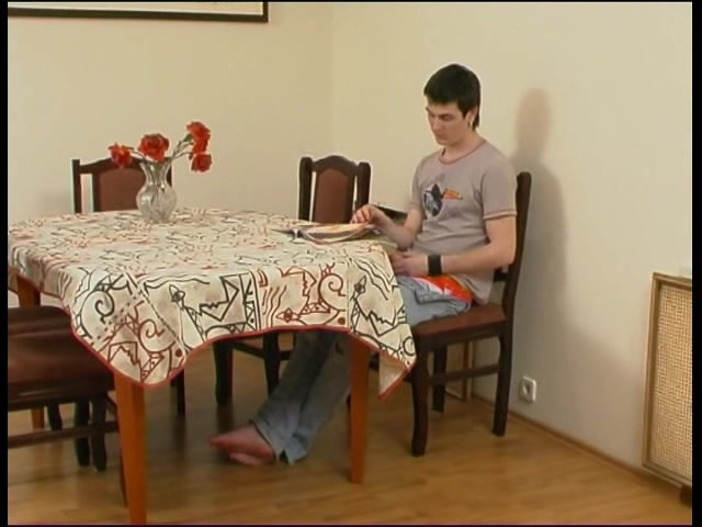Деловая мачеха совращает скучного сына ананиста смотреть онлайн