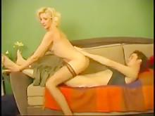 Русский мачеха и сын в медленном аккуратном сексе