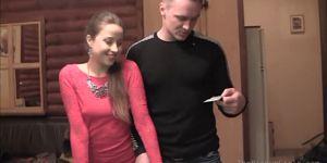 Любительская ебля видео со случайной русской кралей.