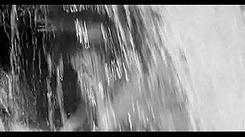 Любовь Румянцева (Черновол) голая под водопадом- Альпийская баллада (1965)