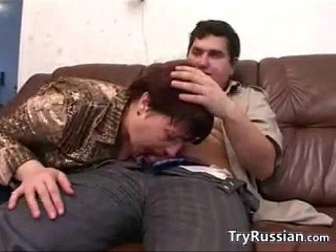 Русская мать и ее пухлый молодой любовник