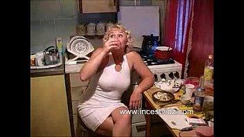 Моя сексуальная зрелая блондинка пьяна и тахается
