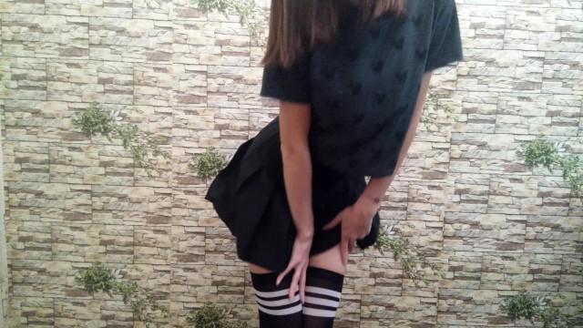 Стройная девушка MissNimpho показывает свое красивое тело