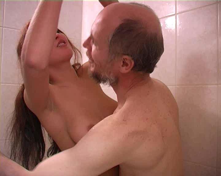 Дедушка и молодая девушка Жанна