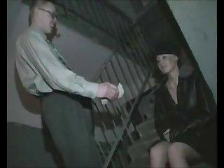 Парень из Питера снял на улице девушку и отодрал у себя на квартире.