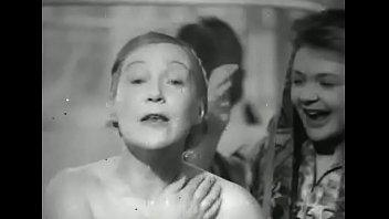 Любовь Орлова голая в душе - Светлый клад (1940)
