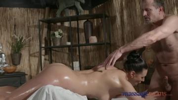 Massage Rooms Сексуальна російська Мілфа жорстко