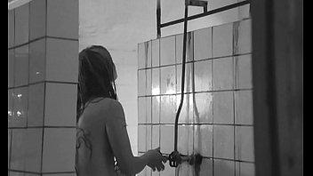 Маргарита Терехова раздетая в душе - Зеркало (1974)