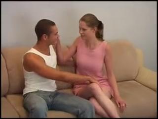 Русская зрелая мать дает уроки порно Артуру и его жене