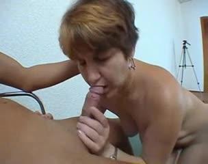 Русская бабка пришла на порно кастинг и выиграла