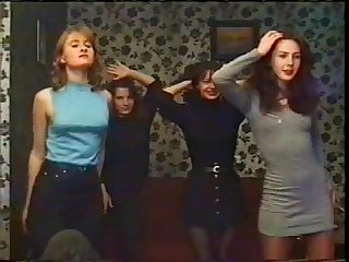 Русское ретро видео из 90х с голыми махнатками.