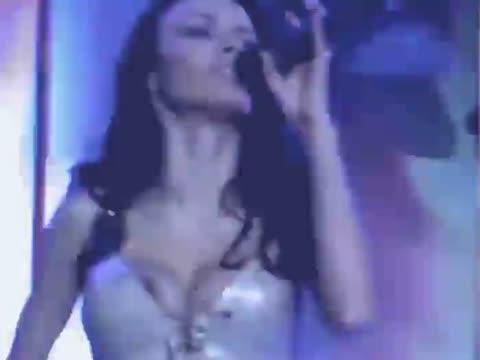 Грановская, Надежда выпал сосок из платья на концерте