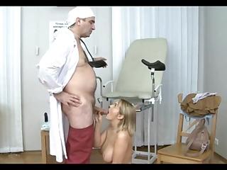 Анальный секс русской девушки с врачом гинекологом