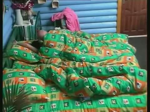 Елена Беркова и Рома секс под зеленым одеяльцем