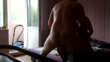 Украинский муженек записывает свою жену с двумя любовниками