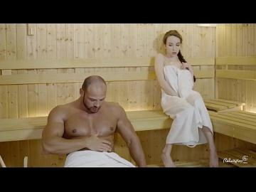 Жесткий трах в сауне с привлекательной русской малышкой Angel Rush