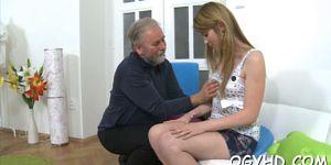 Дед пригласил внучку в свою элитную квартиру и трахнул её