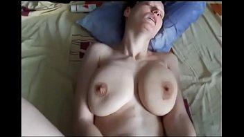 Домашнее видео с грудастой женщиной