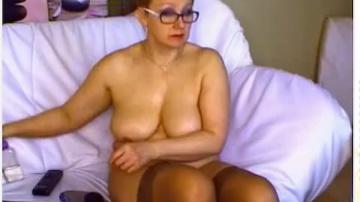 сексуальная зрелая русская тетя и ее дилдо в приват записи.
