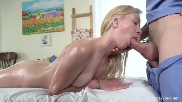 Массаж по-русски с сексапильной блондой