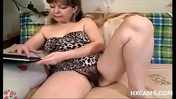 неизвестная зрелая женщина на веб-камеру
