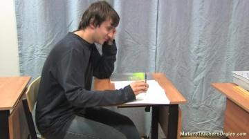 Учительница Ольга Николаевна совратила на доп занятиях отстающего хлопца