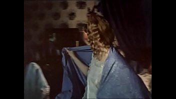 Людмила Хитяева в ночнушке - Приваловские миллионы (1972)