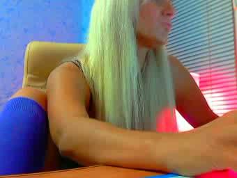 Шикарная блондинка на вебке